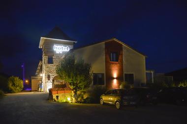 Hôtel Les Gabarres à Tour de Faure