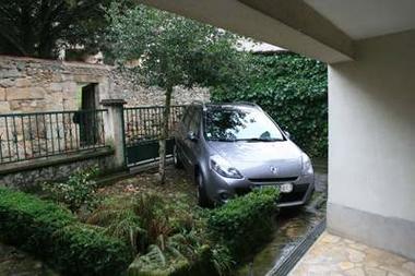 1 parking