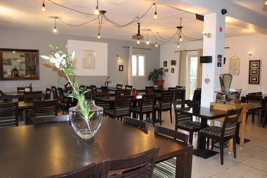 190204RestaurantLaPeyrade_Cajarc_9SalleRestaurant