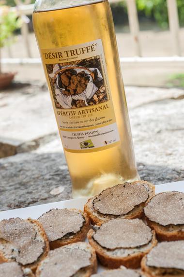 Apéritif autour de la truffe - Truffes Passion - Limogne_06 © Lot Tourisme - C. ORY
