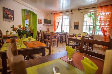 Auberge de Lile-creysse - Salle de restaurant (3)