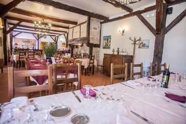 Auberge de Lile-creysse - Salle de restaurant