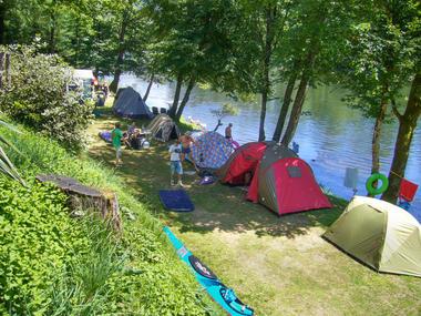 Camping en bord de Dordogne - Camping le Vaurette - Argentat - Vallée de la Dordogne