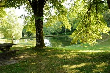 Camping-le-Castagnol-Sousceyrac-emplacement