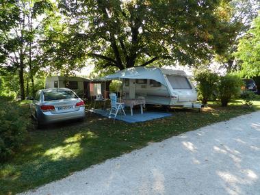 CampingLesTilleuls_Caravane