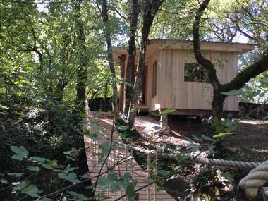 Cabane-Lodge - pont de singe