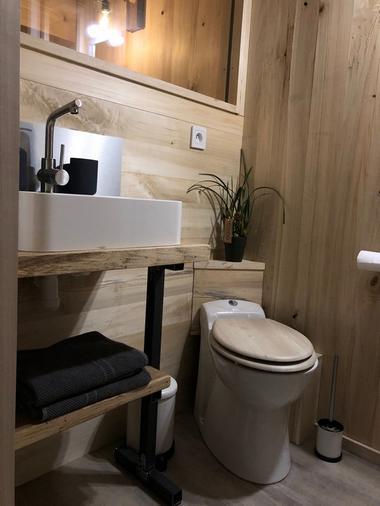 Cabane-Lodge - salle d'eau