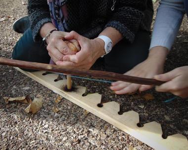 Deviens-un-Homme-Prehistoriquatelier-feu-Musee-de-l-Homme-de-Neandertal-La-Chapelle-aux-Saints