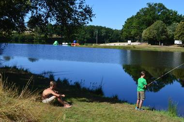Domaine du Lac de Feyt - Servieres le Chateau - Emplacement Camping (2)