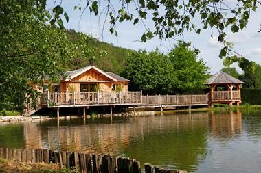 Domaine de Chanet-cabane et étang