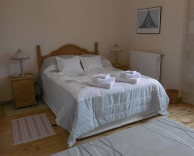 Double bedroom  B&B (3)