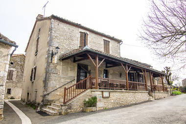 Extérieur du Restaurant Lou Bourdié à Bach ©© Lot Tourisme C. Novello 160414-115702