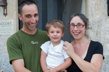Famille Déléris - Gîte d'étape Poudally à Lalbenque_01 © Lot Tourisme - C. ORY