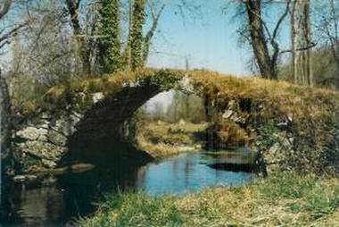 Gite Paunac pontpic1