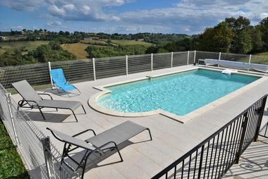 GîteCHANEL-Lagleygeolle_piscine