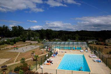 HAMEAUX_DE_MIEL_BEYNAT_piscine-exterieure