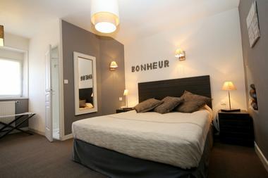 HOTEL le Quercy-ch 1 - Meyssac