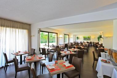 Hotel le Chateau-Rocamadour-salle des petit-dejeuners