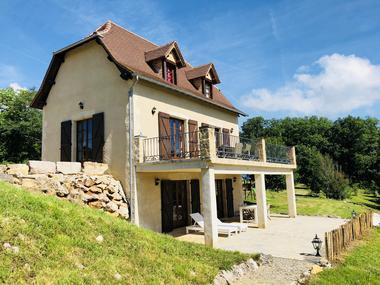 La Maison avec appartement sous sol et la terrassa