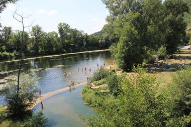 Castelfranc Baignade dans la rivière Lot