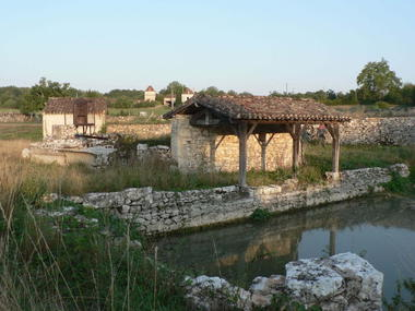 Escamps : Lavoir Papillon
