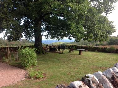 LaDouceFrance-Collonges_jardin