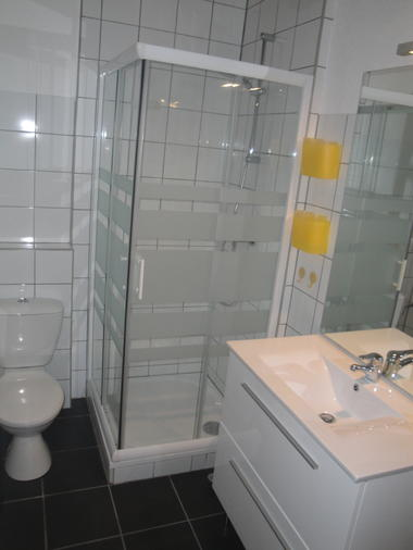 Lagardelle-gîte-salle d'eau
