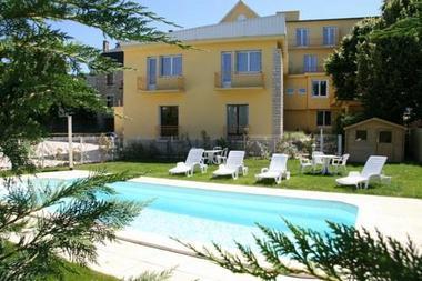 Les Ambassadeurs_Souillac_piscine