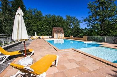 la piscine du domaine les falaises