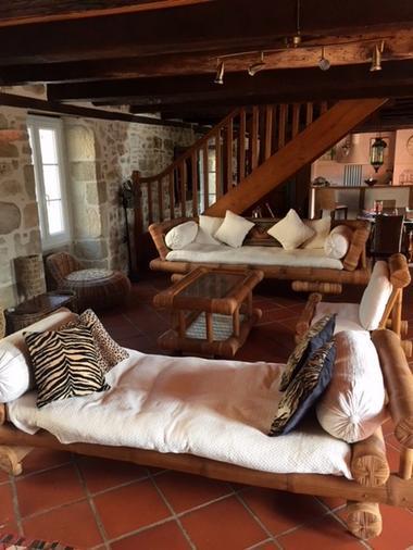 LocationVIGNAIS-Queyssac-les-Vignes_salon4