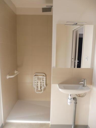 Lotendock-souillac-salle de bains