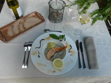 Manoir des Tuileries - Darne de saumon crème de cerfeuil