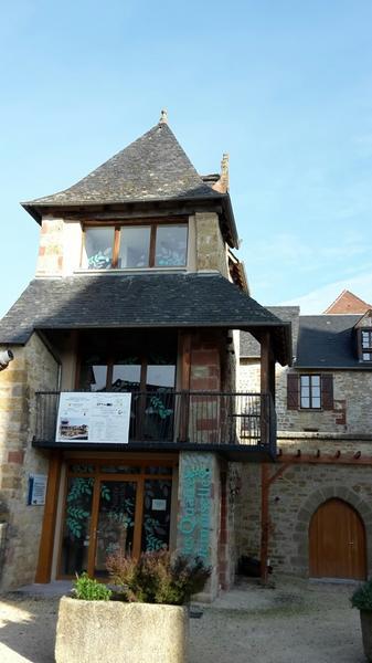 Mairie de Saillac-Maison de la Noix