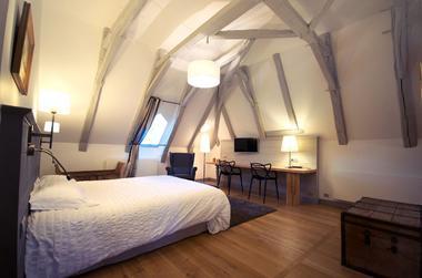 MaisonDesJardinsSothys-Auriac_chambre