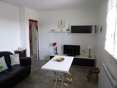 Meublé-MOREAU-Argentat_salon