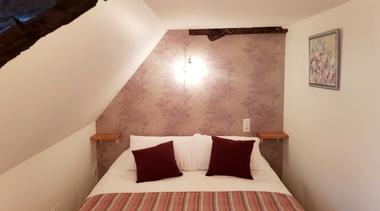 MoulinDeLaSalle-Curemonte-chambreMarieAntoinette