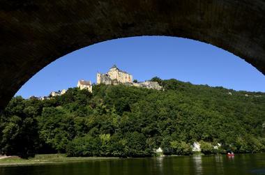Périgord Aventure Loisirs  Pont de castelnaud