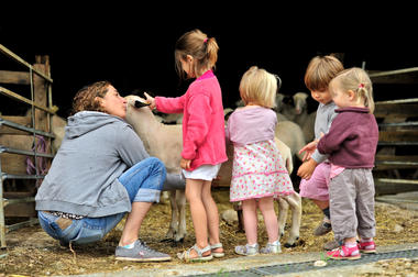 Rencontre à la ferme - Ferme de la Brebis Bavarde à Albiac_01 © Lot Tourisme - C. ORY