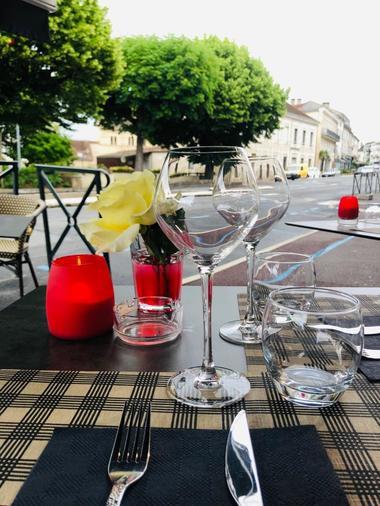 Restaurant Le Quercy-Souillac-table terrasse