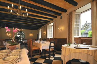 Restaurant-Le-Saint-Etienne-Aubazine_salle2