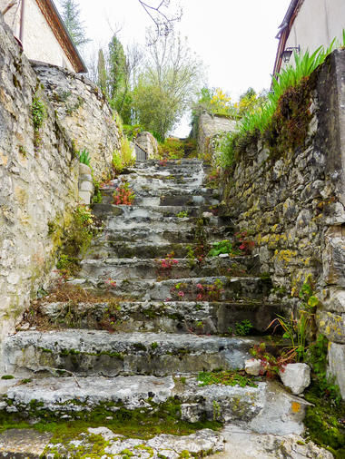 Saint-Sozy - Escaliers taillés dans la pierre © Lot Tourisme - C. Sanchez