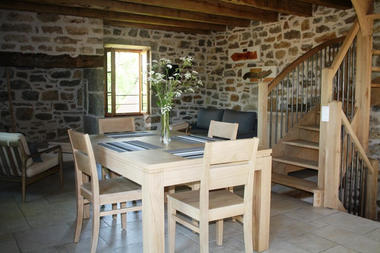 """Salle à manger - Gîte """"l'Orée des Chênes"""" - © Hameau du Quercy -001"""