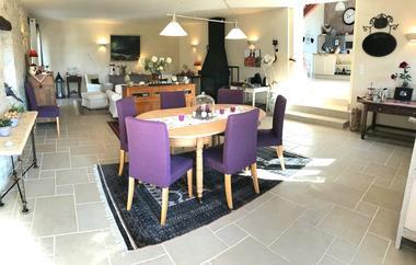 Salon-salle a manger Domaine Cote Granges