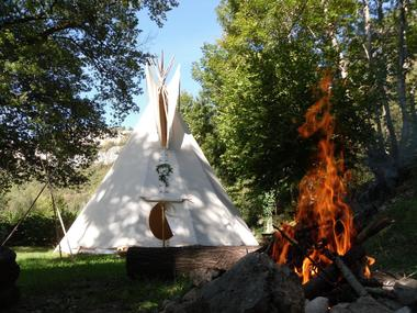 camping lot tipi