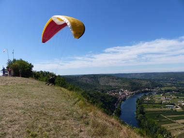 decollage-parapente-riviere-lot