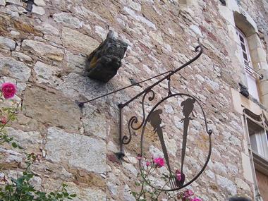 détail - La Maison des Chanoines - Turenne - Vallée de la Dordogne