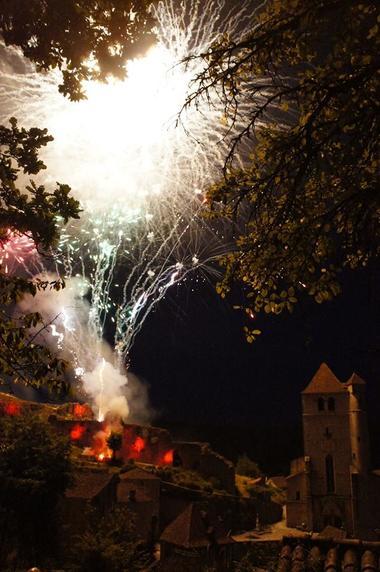 Fête de Saint-Cirq Lapopie, Feu d'artifice