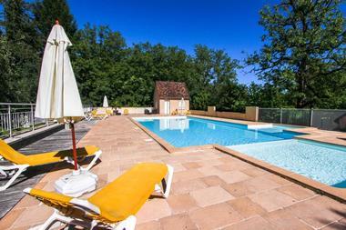 hotel les falaises-gluges martel-piscine3
