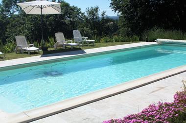 la Pébrunelle-Puy d'Arnac - piscine