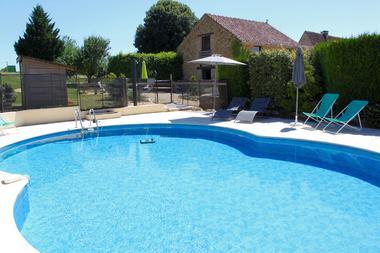 la piscine Privee du gite La Pra irie